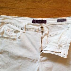 Gloria Vanderbilt Jeans - White Denim Capris